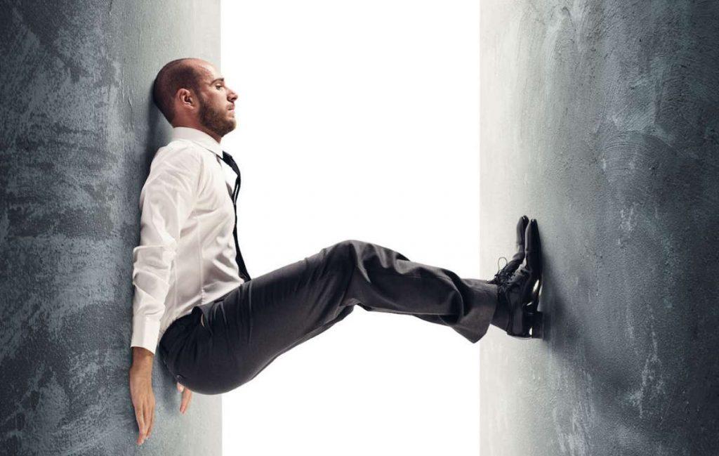 Del estrés a la resiliencia. como escapar de hábitos laborales tóxicos